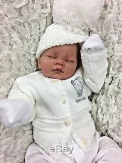 REBORN GIRL or BOY WHITE OUTFIT BOBBLE HAT CARDIGAN BG S
