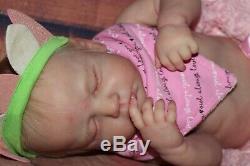 Reborn BabyLoulou by Joanna KazmierczakProfessional ArtistryHighly Realistic