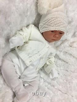 Reborn Doll Baby White Bobble Hat Outfit Magnetic Dummy A